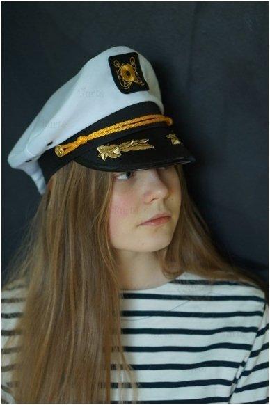 Kapitono kepurė 5