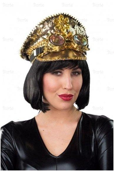Kepurė su blizgučiais