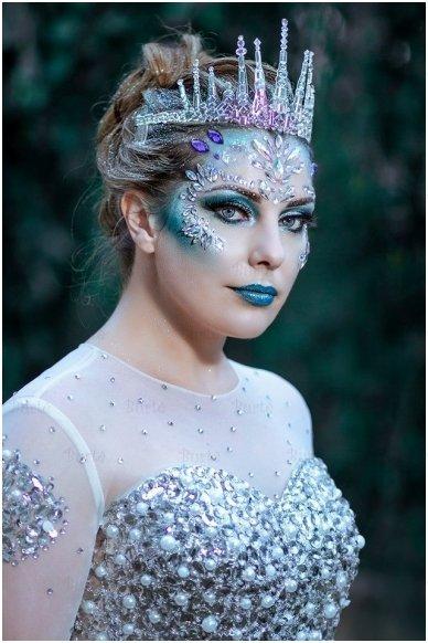 Ledo karalienės karūna 2