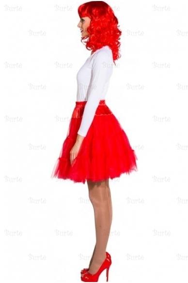 Raudonas sijonas 2