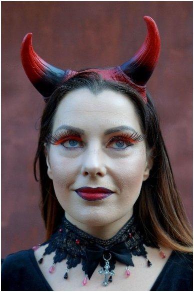 Velnio ragiukai 4
